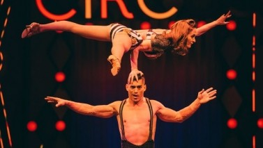 Review: At the Big Apple Circus, Discs Fly and So Do People